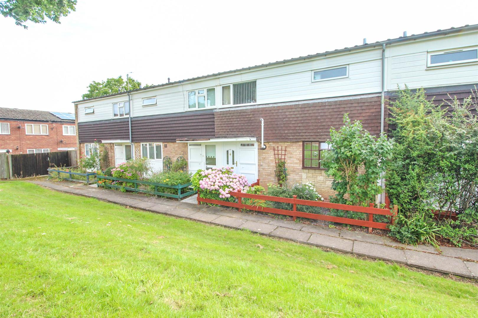 3 Bedrooms Property for sale in Bushley Close, Redditch